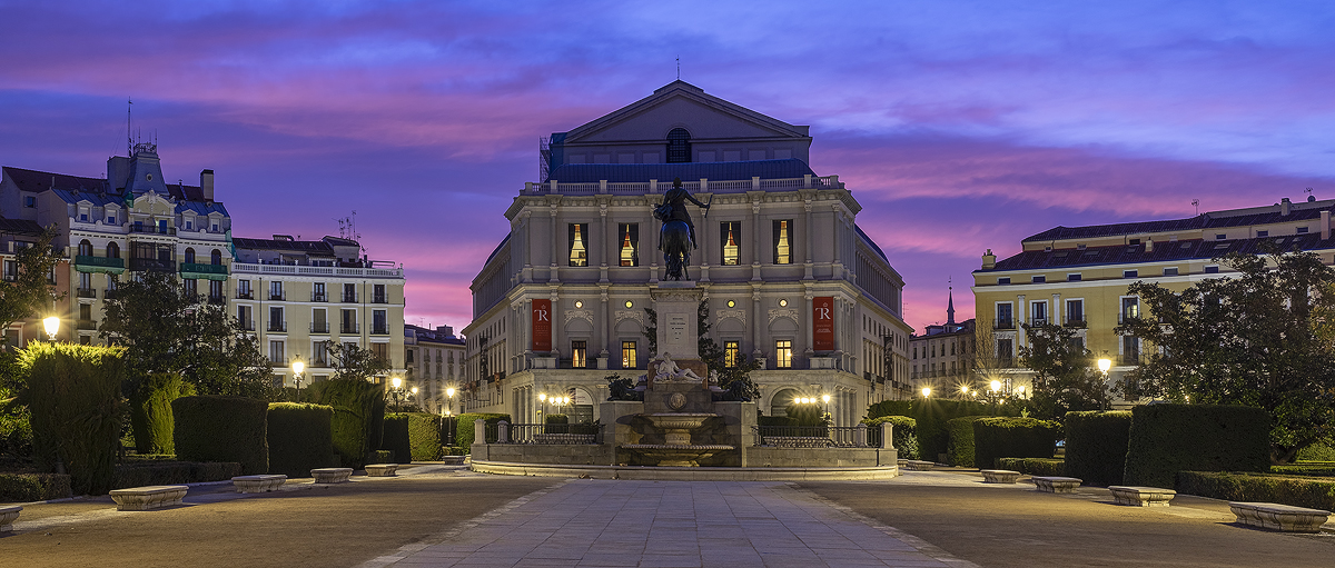 027 Opera Building.jpg