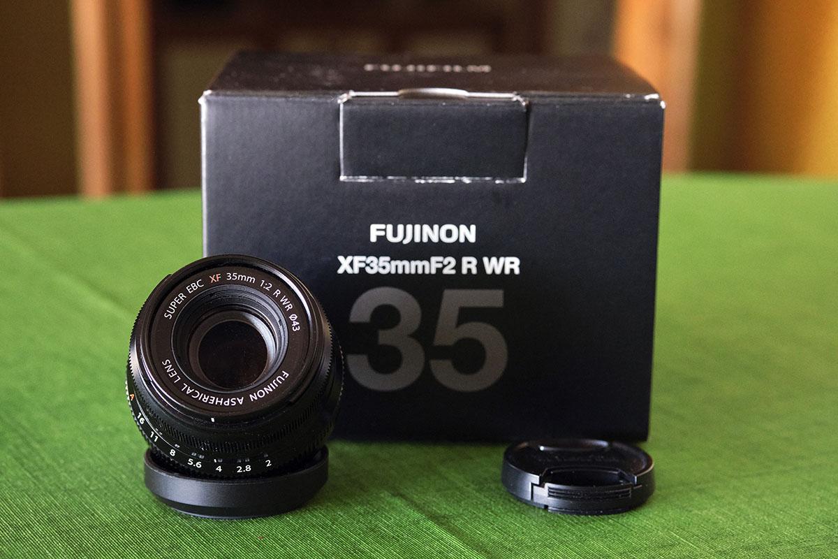 Fujinon XF 35mm f2 R LM WR Negro_B.jpg