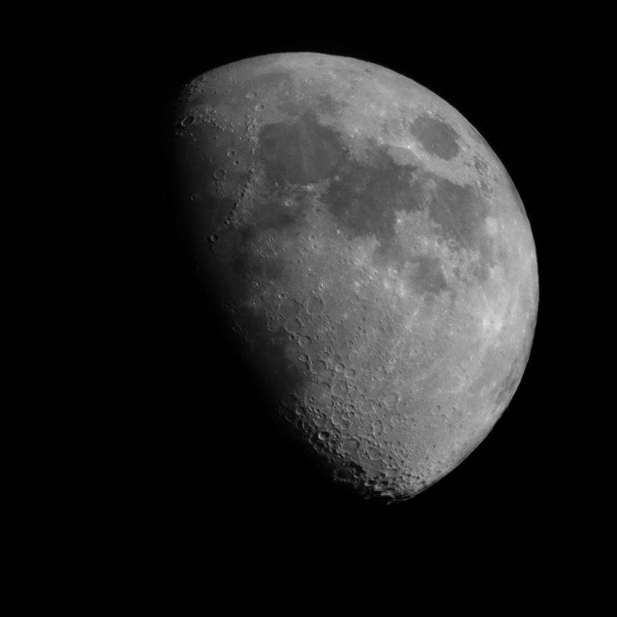 Luna 900px sin firma.jpg