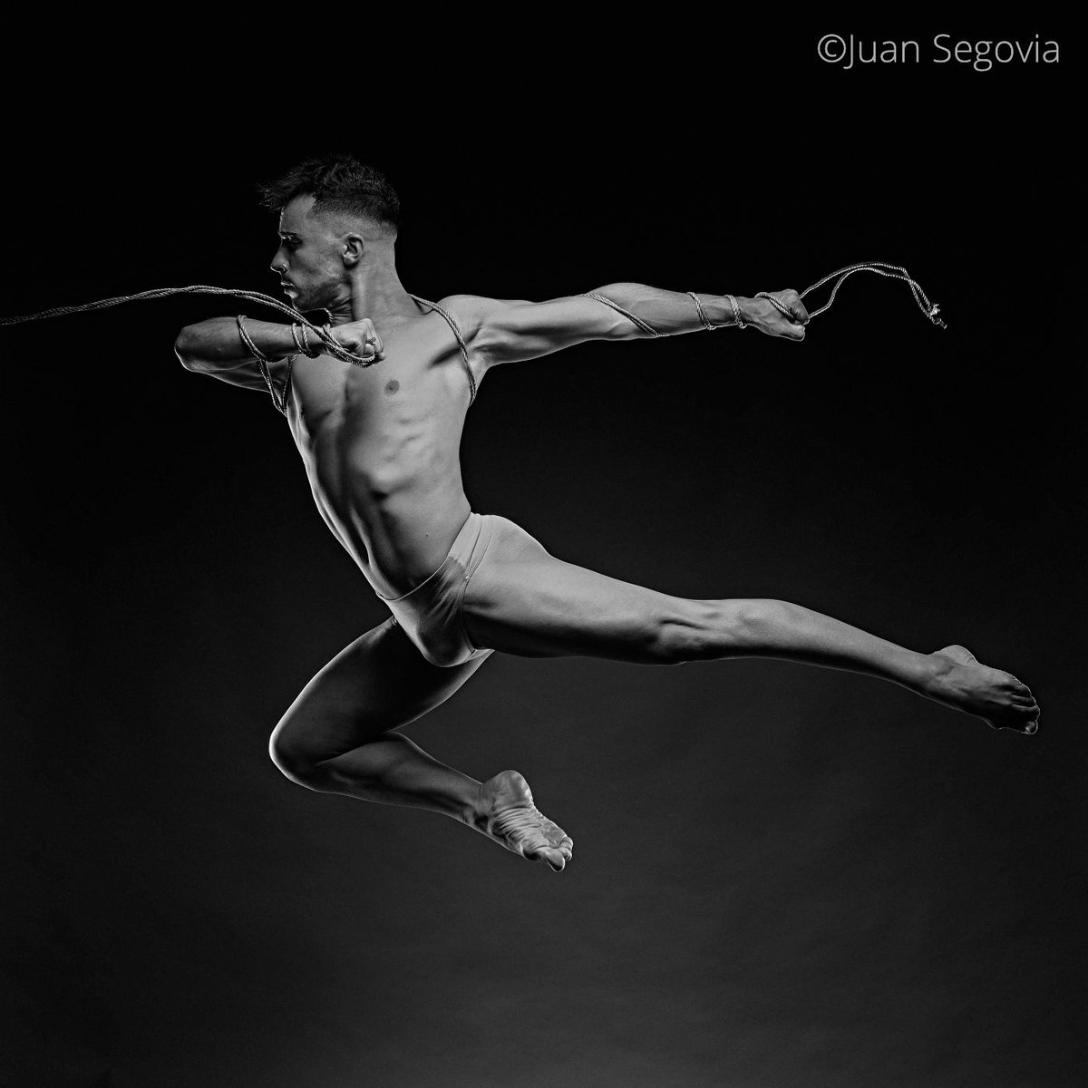 Retrato corporativo del bailarín Michael Olivera 3.JPG