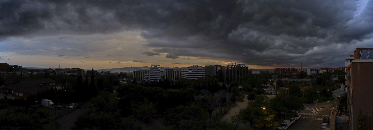 Tarde de tormenta ( Esplugues Ll. Barcelona ).jpg